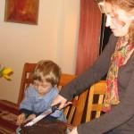 С мамой и тортом, который сделала Женя